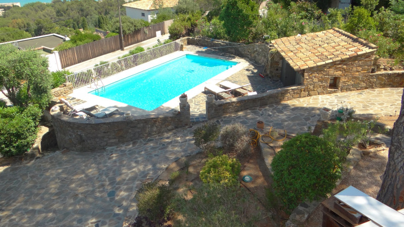 Vacation rental house / villa Cavalaire sur mer 3 500€ - Picture 3
