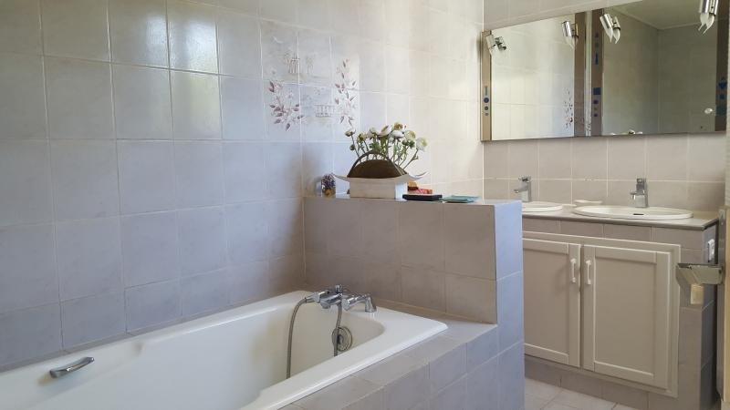 Sale house / villa Ormesson sur marne 437000€ - Picture 5