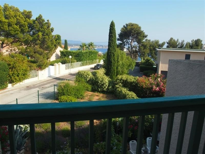 Vacation rental apartment Bandol 745€ - Picture 1
