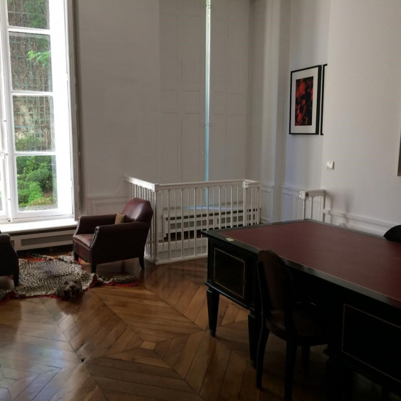 Rental apartment Paris 7ème 5 880€ CC - Picture 4