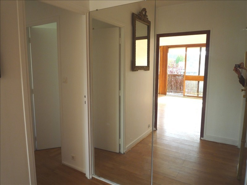 Sale apartment La celle st cloud 270 000€ - Picture 3