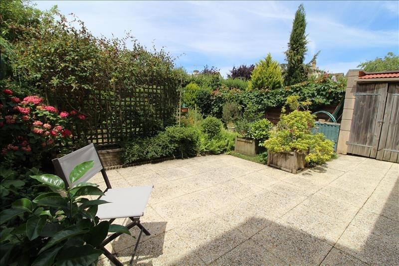 Sale house / villa Maurepas 356000€ - Picture 2