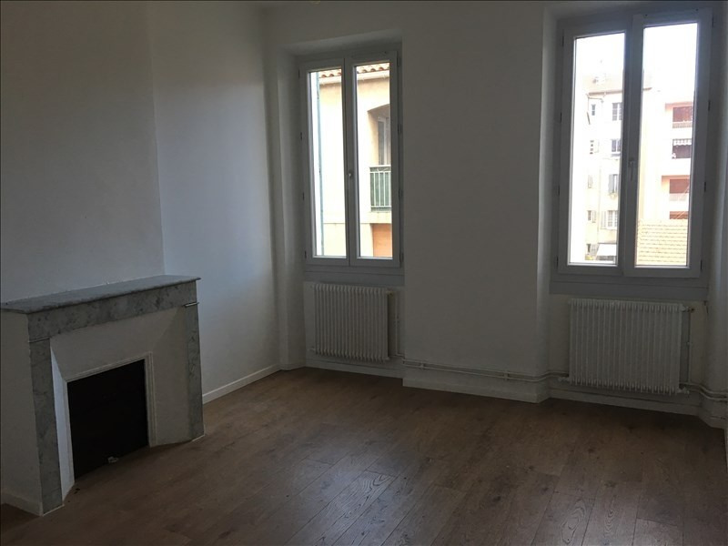 Location appartement Toulon 530€ CC - Photo 1