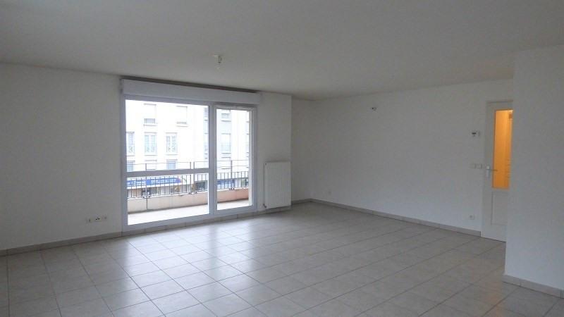 Rental apartment Cluses 749€ CC - Picture 6