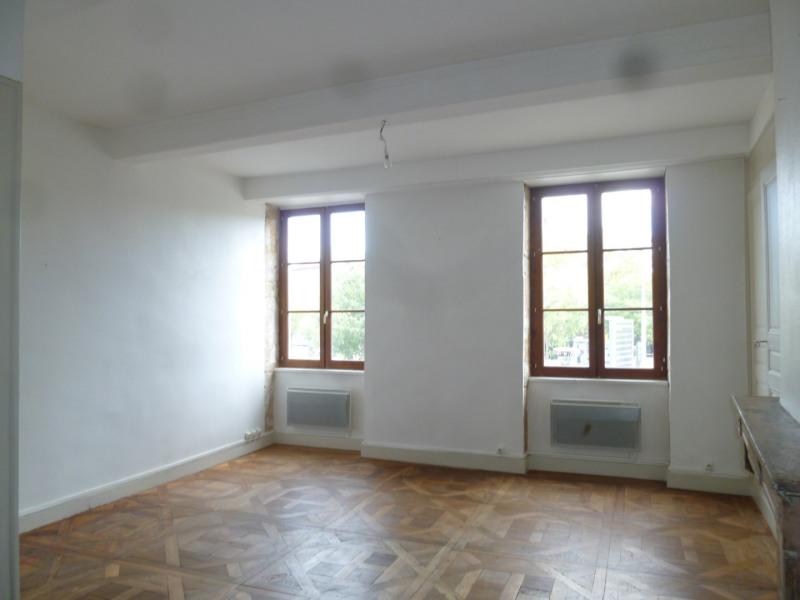 Rental apartment St genis laval 572€ CC - Picture 2