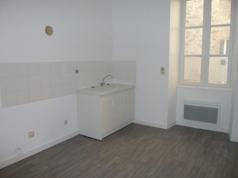 Laval centre, appt T3 au 2ème étage de 66 m²