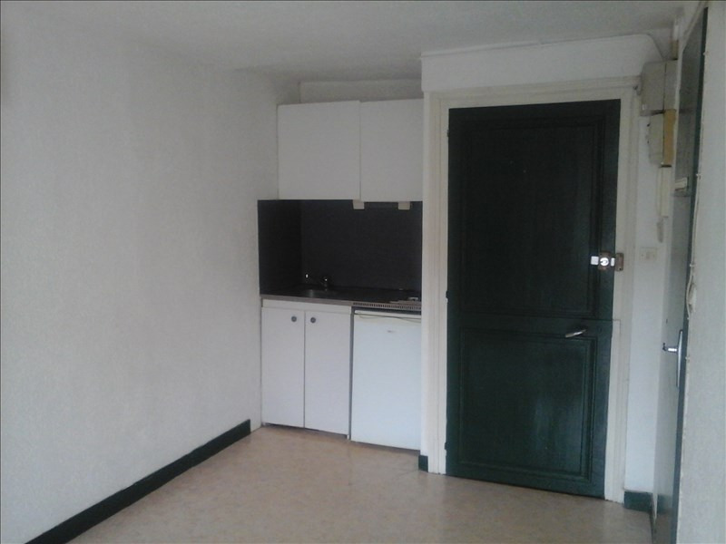 Location appartement Poitiers 270€ CC - Photo 2