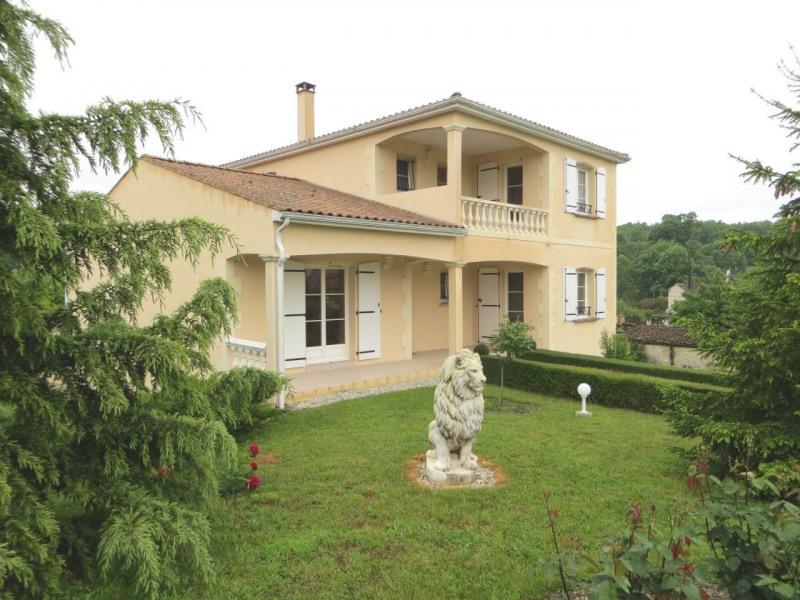 Sale house / villa Saint-laurent-de-cognac 264500€ - Picture 1