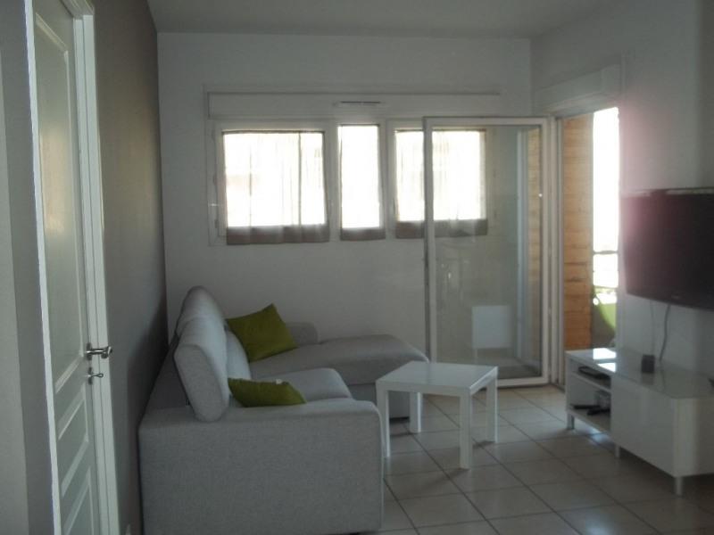 Rental apartment L isle d abeau 590€ CC - Picture 2