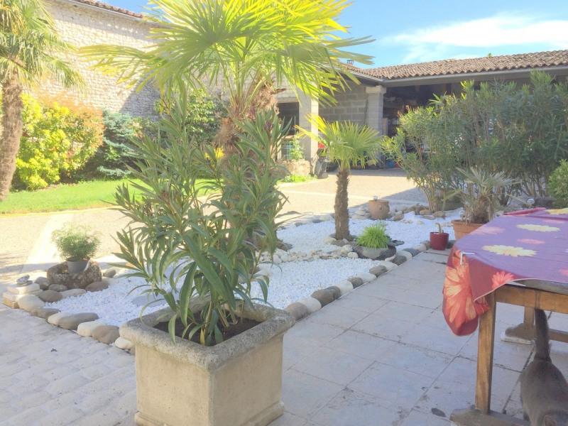 Sale house / villa Salles-d'angles 369250€ - Picture 3