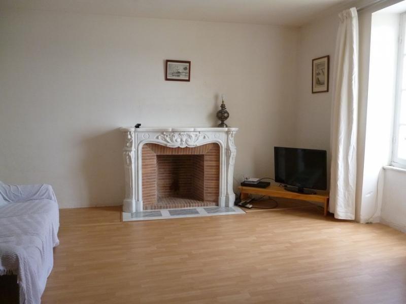 Sale house / villa Douarnenez 141750€ - Picture 2