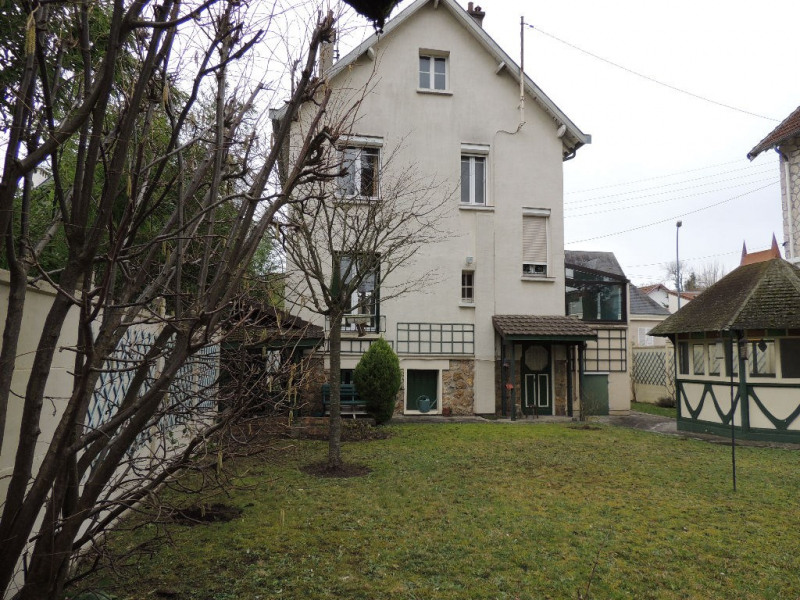 Deluxe sale house / villa Le vesinet 790000€ - Picture 1