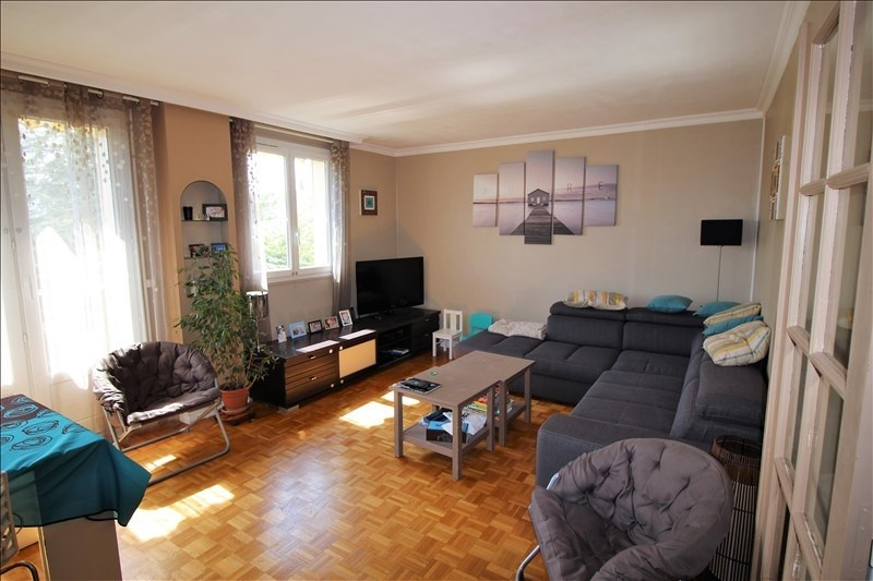 Sale apartment Chatou 290 000€ - Picture 1