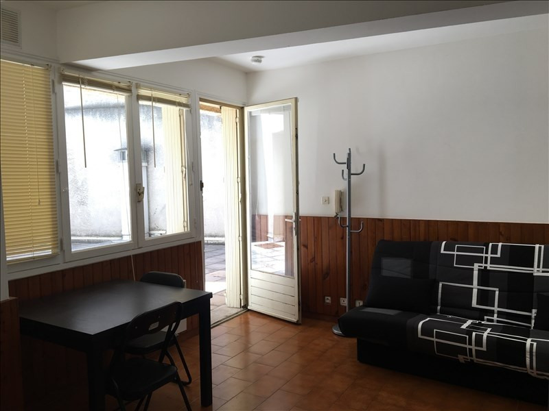 Rental apartment Aix en provence 463€ CC - Picture 2