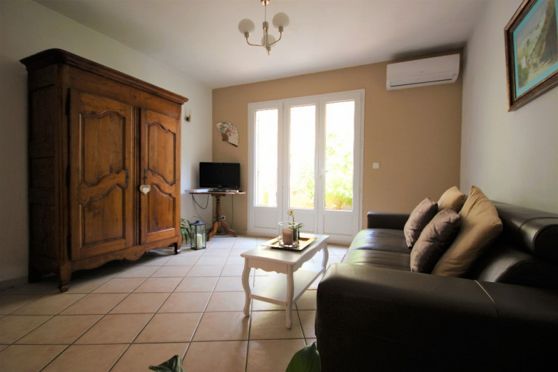 Sale house / villa Lambesc 241 500€ - Picture 1