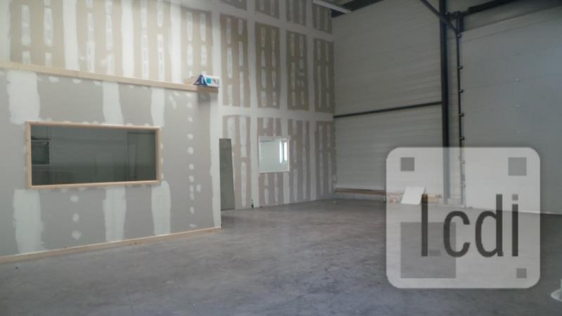 Location local commercial Montélimar 2 500€ CC - Photo 3