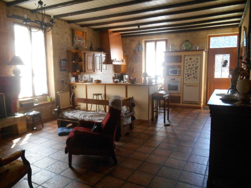 Sale house / villa Ayguemorte les graves 299000€ - Picture 5