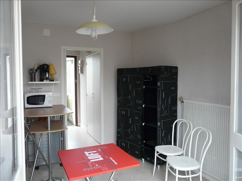 Rental apartment Pau 330€ CC - Picture 2