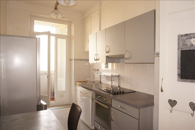 Location appartement Marseille 4ème 890€ CC - Photo 2
