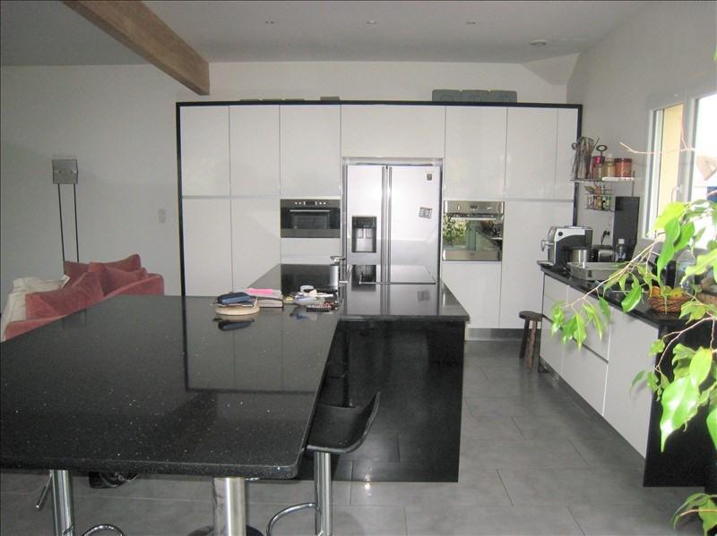 Deluxe sale house / villa Maurecourt 775000€ - Picture 2
