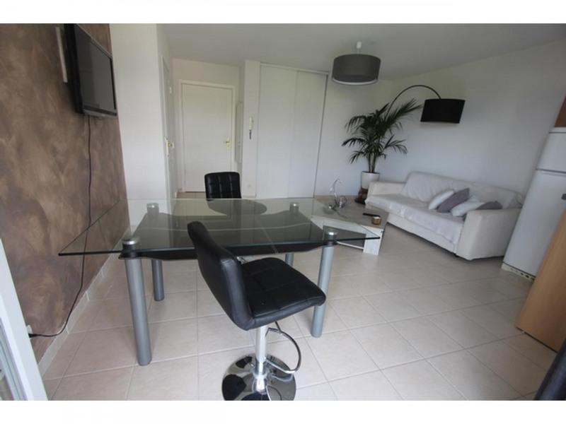 Rental apartment St laurent du var 830€ CC - Picture 4