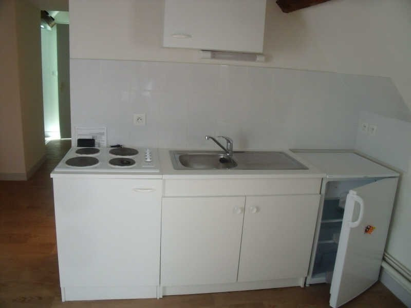 Location appartement Poitiers 353€ CC - Photo 3
