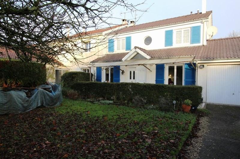 Rental house / villa Le mesnil st denis 1845€ CC - Picture 1