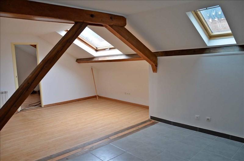Location appartement Nantua 350€ CC - Photo 2