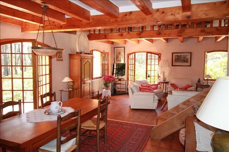 Deluxe sale house / villa Lambesc 950000€ - Picture 2