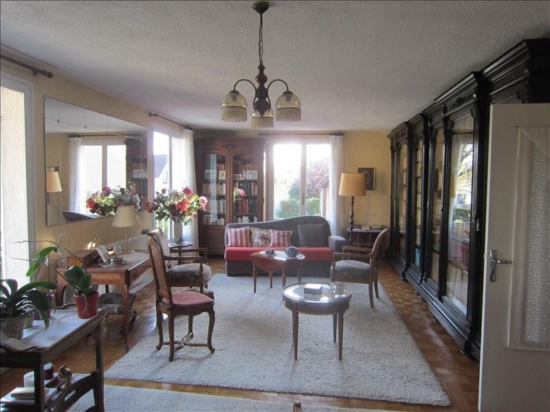 Sale house / villa Le mesnil le roi 880000€ - Picture 2