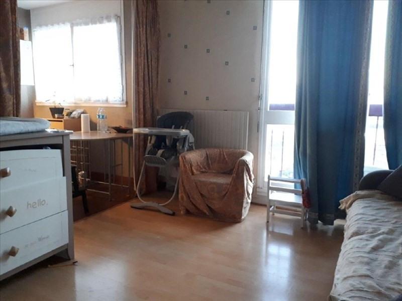 Rental apartment Maurepas 595€ CC - Picture 2