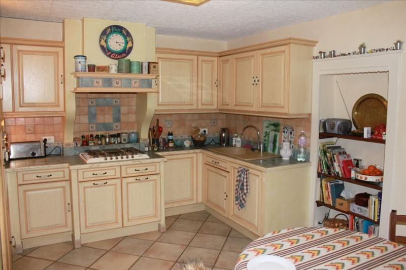 Sale house / villa Eyzin pinet 235000€ - Picture 4