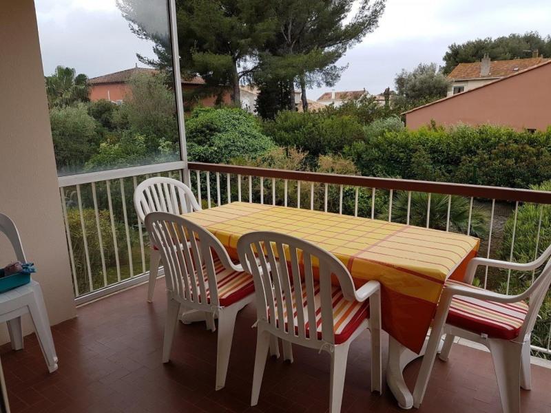 Location vacances appartement Bandol 590€ - Photo 1