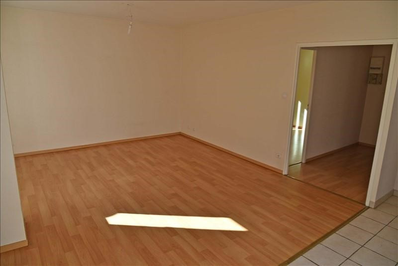 Location appartement Nantua 330€ CC - Photo 2