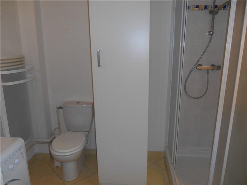 Rental apartment St julien les villas 320€ CC - Picture 4