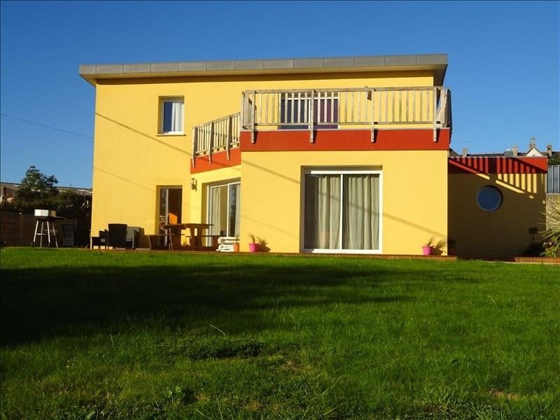 Sale house / villa Lannilis 291000€ - Picture 1