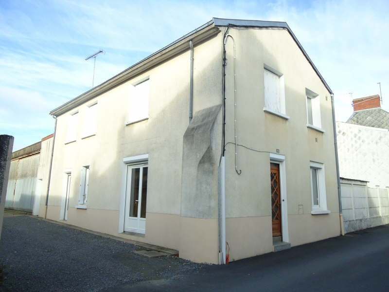 Sale house / villa Jallais 80 940€ - Picture 1
