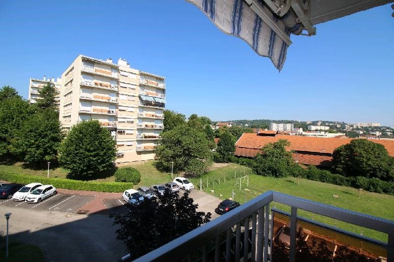 Sale apartment Oullins 248 000€ - Picture 1