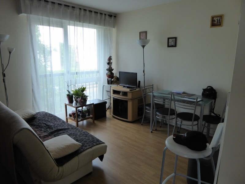 Rental apartment Maurepas 667€ CC - Picture 2