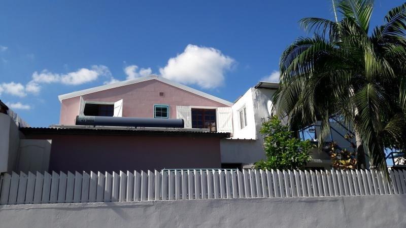 Sale house / villa Le port 162000€ - Picture 1