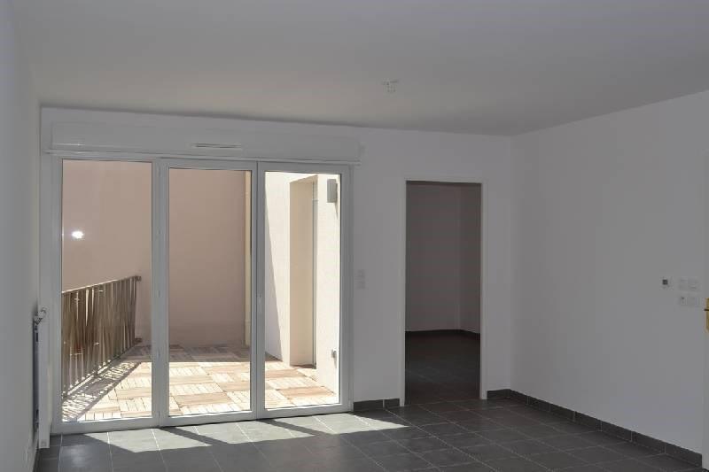 Rental apartment Irigny 610€ CC - Picture 1