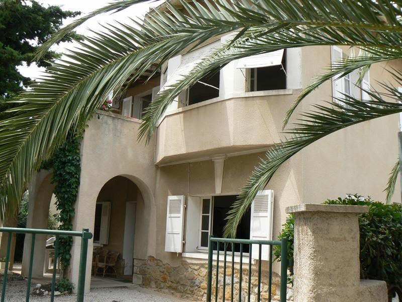 Vacation rental apartment Bandol 520€ - Picture 1