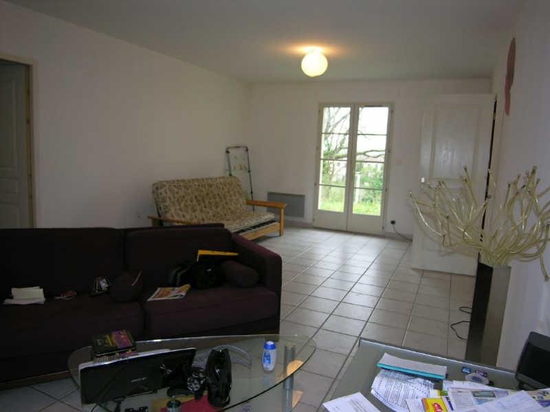 Location maison / villa Prignac et marcamps 708€ CC - Photo 2