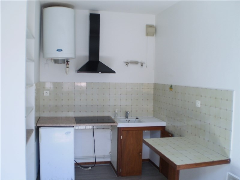 Rental apartment Auch 315€ CC - Picture 1