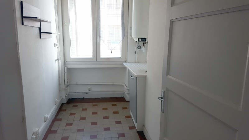 Location appartement Champagne au mont d or 595€cc - Photo 3
