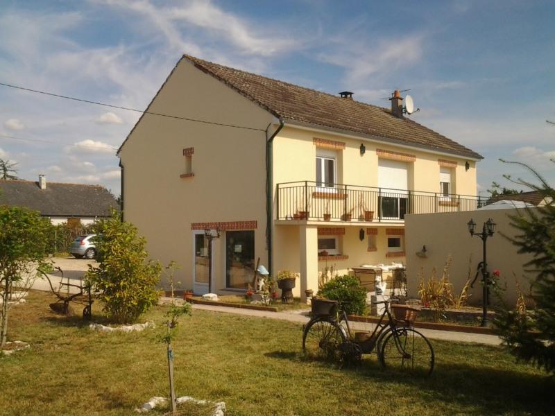 Sale house / villa Vineuil 263000€ - Picture 2