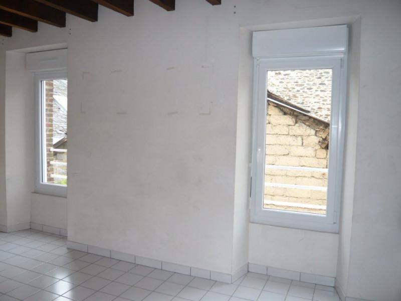 Rental apartment Laval 219€ CC - Picture 2