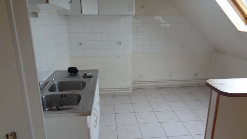 Rental apartment Saint quentin 495€ CC - Picture 2