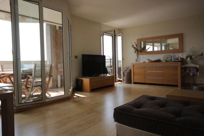 Deluxe sale apartment Courbevoie 1050000€ - Picture 3