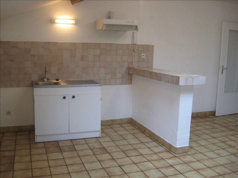 Location appartement Meximieux 590€ CC - Photo 2